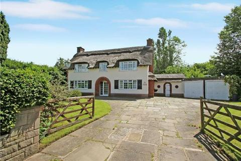 4 bedroom detached house to rent - Green Lane, Timperley