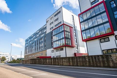 Studio to rent - Kingfisher Court, Manchester Road, Huddersfield, HD1