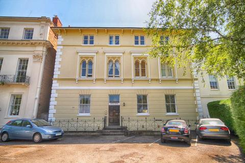 2 bedroom flat for sale - Bath Road, Central, Cheltenham, GL53