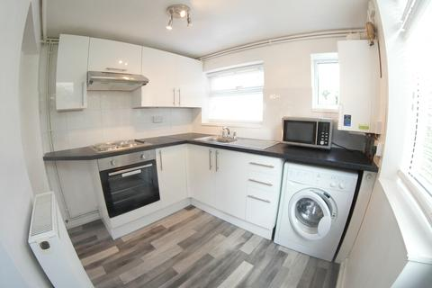 2 bedroom end of terrace house to rent - Pinkneys Drive, Maidenhead