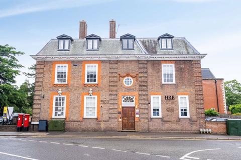 2 bedroom apartment to rent - South Park, Gerrards Cross, Bucks, SL9