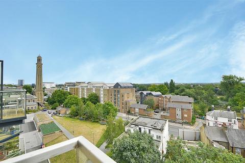 2 bedroom apartment for sale - Kempton House, Heritage Walk, Brentford