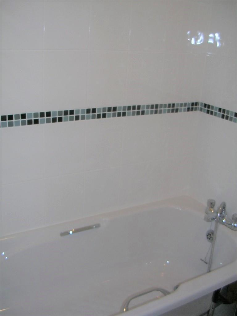 24 cr bath2.jpg