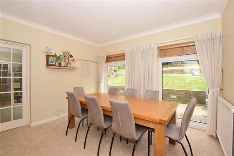 5 bedroom detached house for sale - Cleave Prior, Chipstead, Coulsdon, Surrey