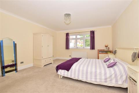 5 bedroom detached house for sale - Barnehurst Road, Bexleyheath, Kent