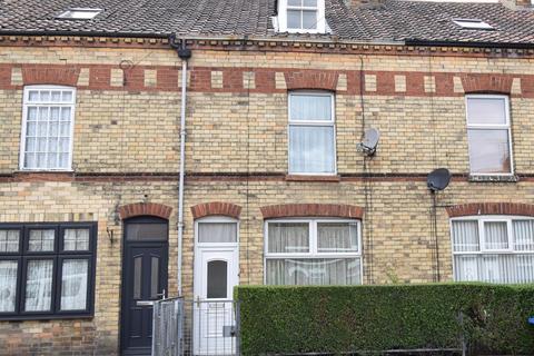3 bedroom terraced house for sale - St. Johns Walk, Bridlington, YO16 4HH
