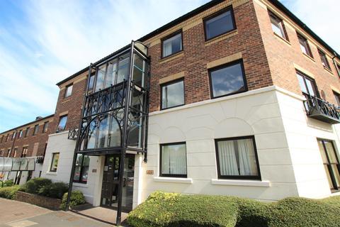 2 bedroom apartment to rent - Postern Close, York, North Yorkshire, YO23 1JF