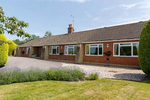 4 bedroom detached bungalow for sale - Long Lane Shaw