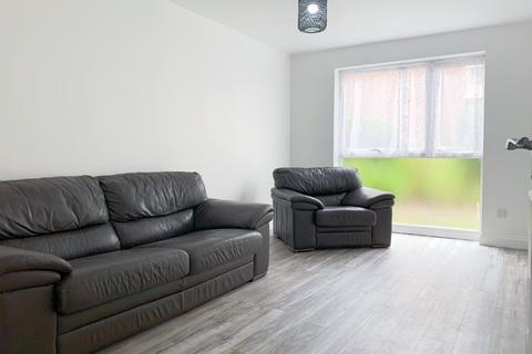 1 bedroom flat to rent - Sunninghill Court, Bollo Bridge Road, London, W3