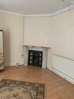 2 bedroom flat to rent - Ordnance Road, Enfield EN3