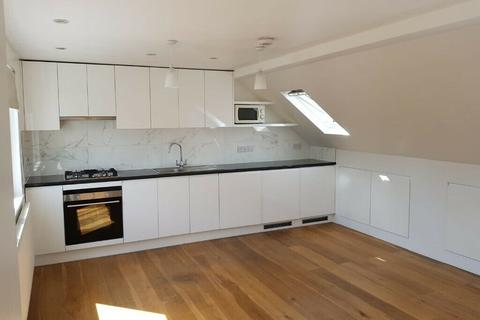 3 bedroom flat to rent - Westward Road, Chingford E4