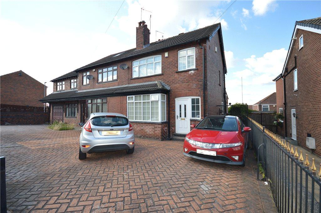 4 Bedrooms Semi Detached House for sale in Woodhouse Hill Road, Leeds