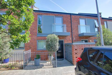 2 bedroom terraced house for sale - Joiners Mews, Woolston
