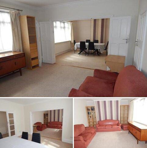 2 bedroom apartment to rent - Alba Court , Alba Gardens , Golders Green  NW119NP
