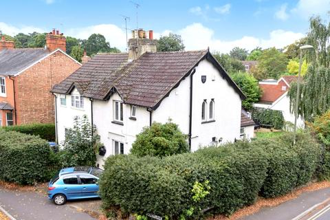 2 bedroom semi-detached house for sale - College Road, Woking, GU22