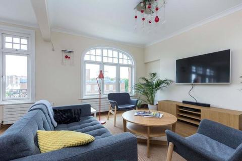 3 bedroom flat to rent - Abbey Court, St John's Wood, London, NW8