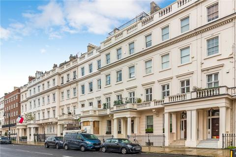 2 bedroom flat for sale - Eaton Place, Ground and Lower Ground, Belgravia, London, SW1X