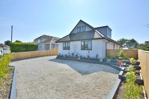 4 bedroom chalet for sale - Dorchester Road, Oakdale, Poole, BH15 3SD
