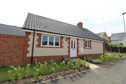 2 bedroom detached bungalow for sale - Long Melford, Suffolk