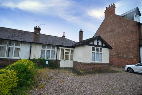 3 bedroom semi-detached bungalow to rent - Trent Boulevard, Lady bay, West Bridgford