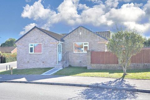 3 bedroom detached bungalow for sale - Stour View Gardens, Corfe Mullen, Wimborne