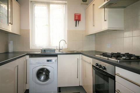 3 bedroom flat to rent - Clementina Road, LEYTON E10