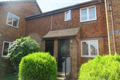 3 bedroom terraced house for sale - Grasmere Close, Feltham