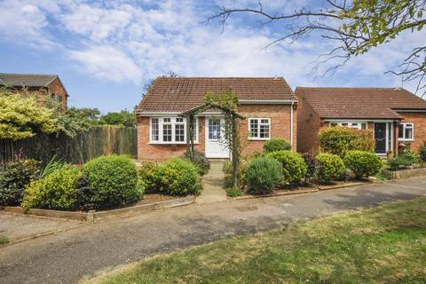 2 bedroom detached bungalow for sale - Thames Avenue, Bicester