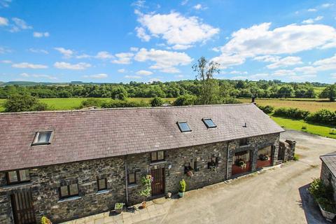 4 bedroom barn conversion for sale - Llanwrtyd Wells, LD5