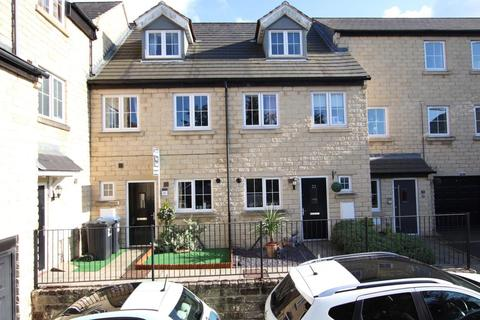 4 bedroom townhouse for sale - Far Highfield Close, Idle, Bradford