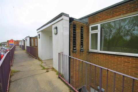 2 bedroom apartment to rent - Cheveley Park, Belmont