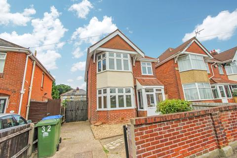 3 bedroom detached house for sale - Tilbrook Road, Regents Park, Southampton, SO15