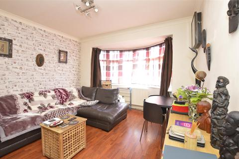 2 bedroom flat for sale - Colin Court, Lynton Avenue, KINGSBURY, NW9 6PA