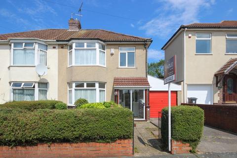 3 bedroom semi-detached house for sale - Clyde Grove, Filton Park, Bristol, BS34