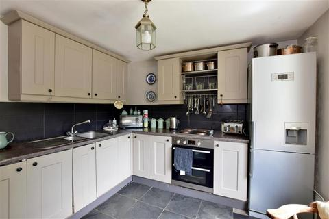 2 bedroom end of terrace house for sale - Three Elm Lane, Tonbridge, Kent