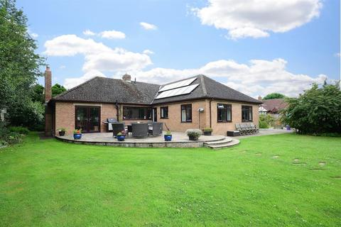 3 bedroom detached house for sale - York Road, Thirsk, YO7 1DQ
