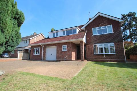 5 bedroom detached house for sale - Oaks Drive, Lexden