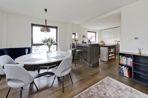 2 bedroom flat to rent - Hill View, Primrose Hill Road, London, NW3