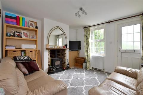 2 bedroom terraced house for sale - Burdett Road, Tunbridge Wells, Kent