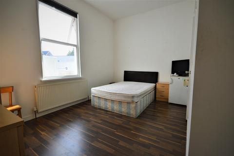 1 bedroom house share to rent - Black Boy Lane , London N15