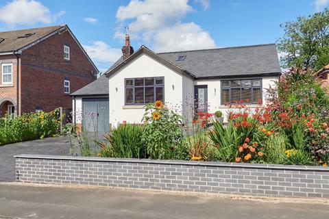 4 bedroom detached bungalow for sale - Brookside Avenue, Poynton