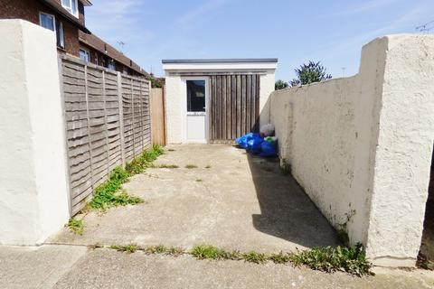 Parking to rent - Belloc Road, Littlehampton