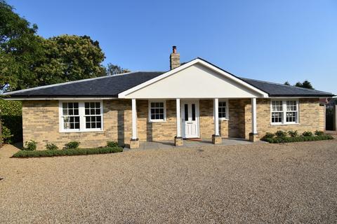 3 bedroom detached bungalow for sale - Trimley St. Martin, Felixstowe