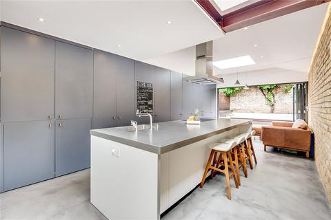 4 bedroom semi-detached house for sale - Harberson Road, London, SW12