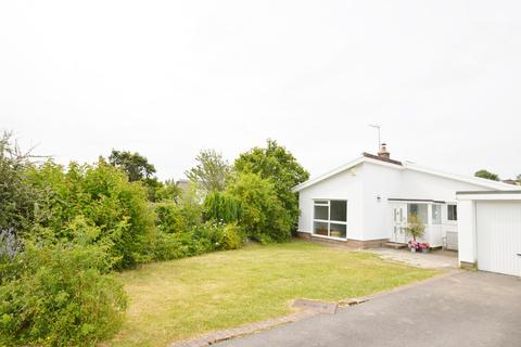 3 bedroom detached bungalow to rent - St John Close, Cowbridge, Vale of Glamorgan, CF71 7HL