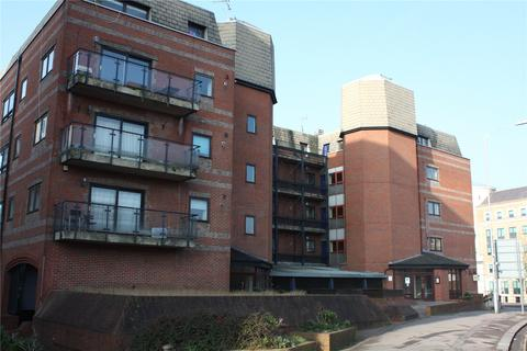 Studio to rent - Royal Court, Kings Road, Reading, Berkshire, RG1
