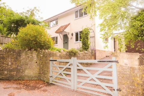 3 bedroom detached house to rent - Priston
