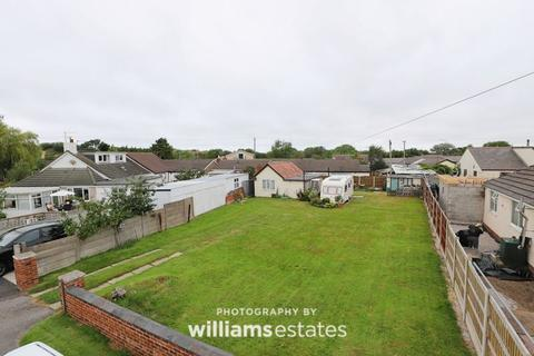 3 bedroom detached bungalow for sale - Talbot Drive, Talacre