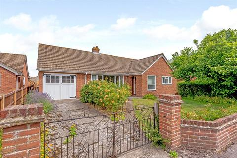 3 bedroom detached bungalow for sale - Byron Close, Newbury, Berkshire, RG14