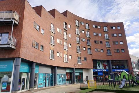 2 bedroom apartment for sale - Meadow Court, Wrexham